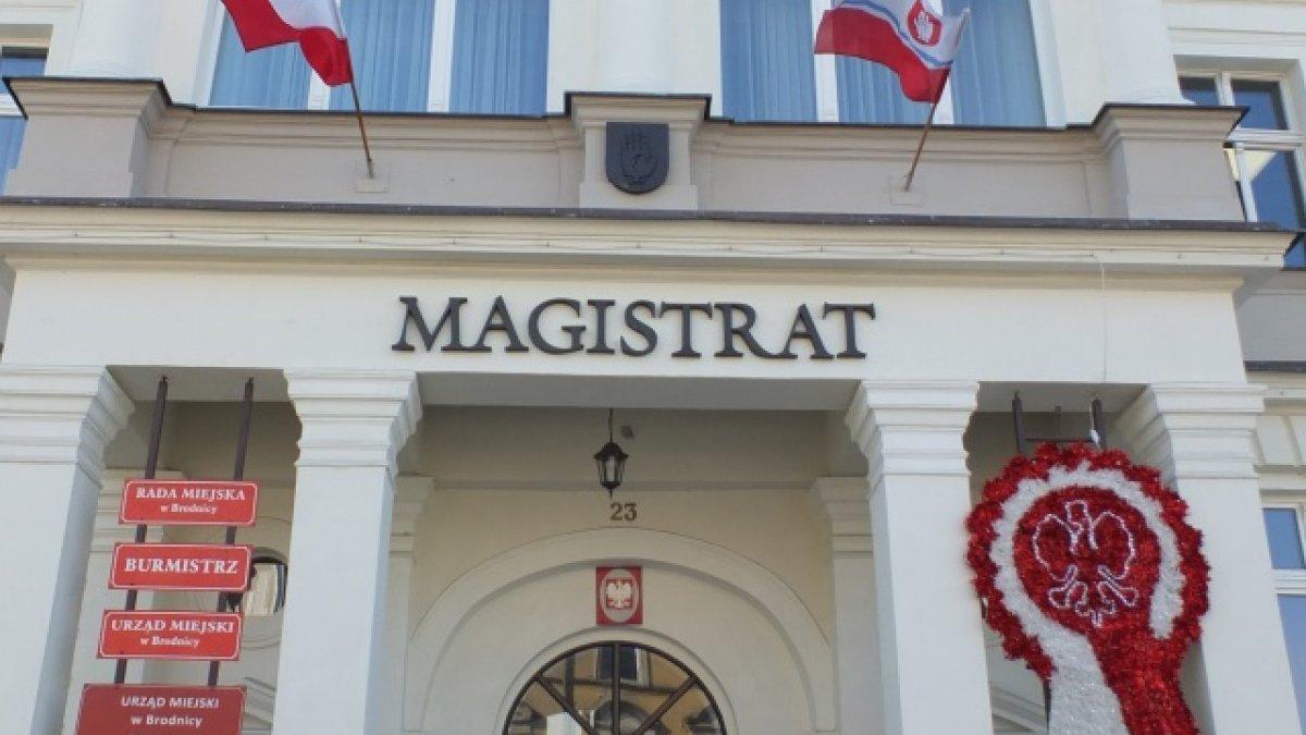 na zdjęciu budynek Urzędu Miejskiego w Brodnicy