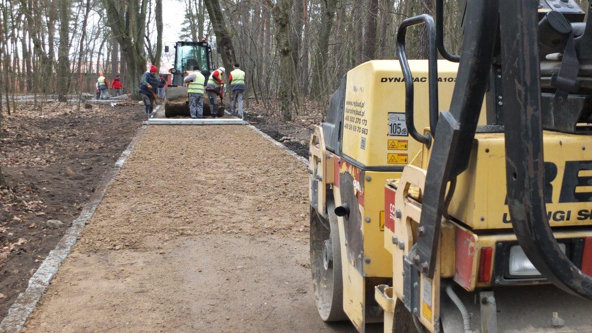 Na zdjęciu modernizacja jednej z tras w Lasku Miejskim w Brodnicy