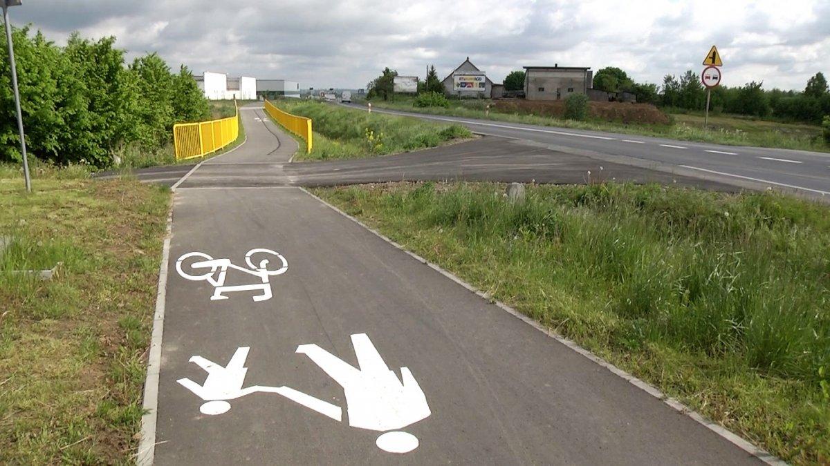 Na zdjęciu ścieżka pieszo - rowerowa Brodnica - Osiek