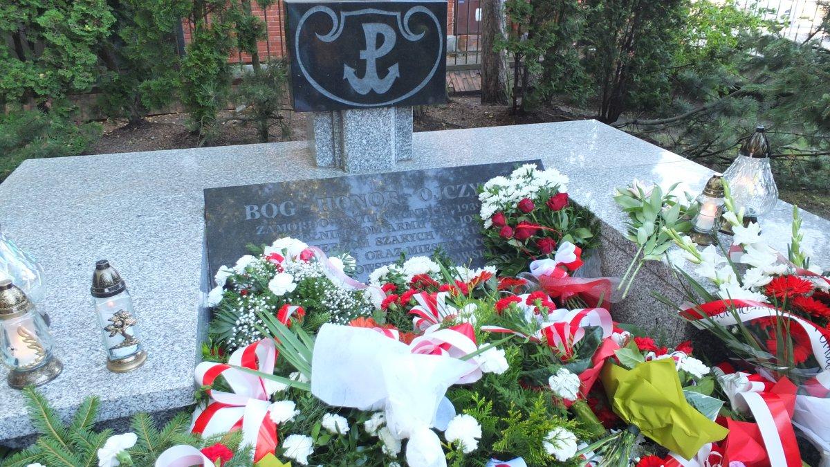 Na zdjęciu Pomnik Armii Krajowej przy ul. Sądowej w Brodnicy