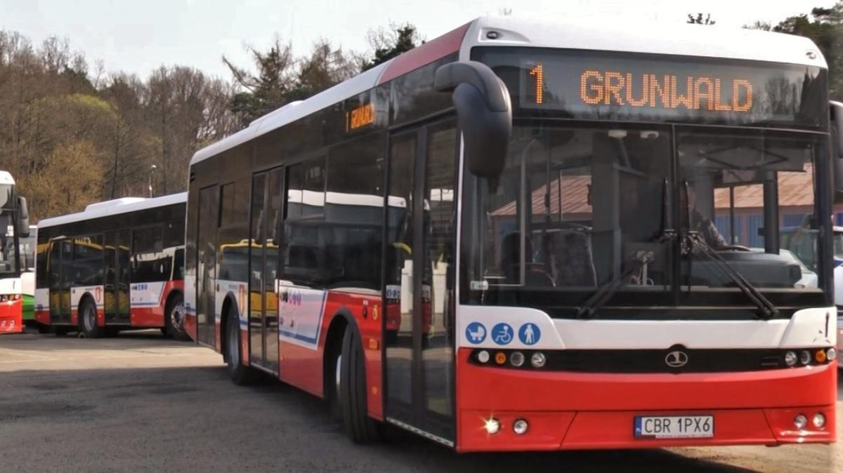 Na zdjęciu autobus komunikacji miejskiej.