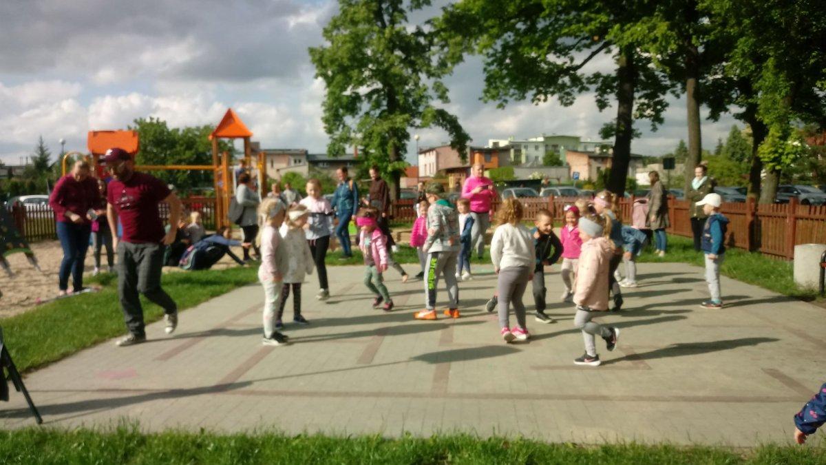na zdjęciu: dzieci podczas zajęć w BDK