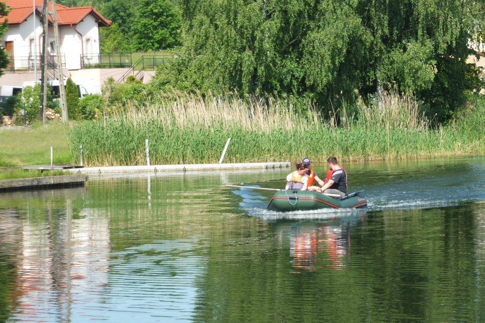 Na zdjęciu ponton nad j. Niskie Brodno