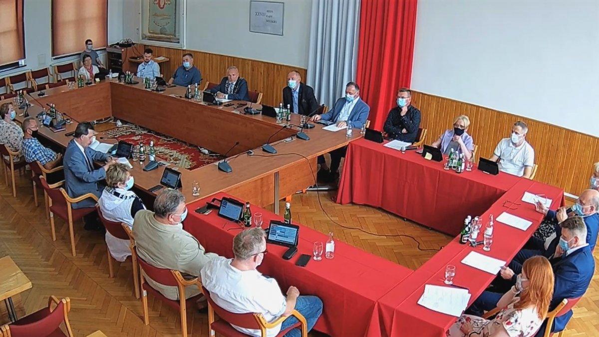 na zdjęciu: obrady sesji Rady Miejskiej w Brodnicy